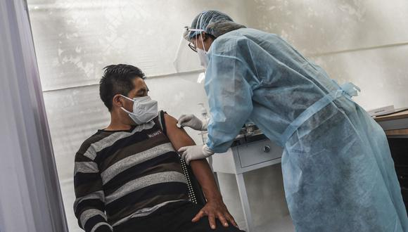 El Minsa programó tres Vacunatones para inmunizar a mayor cantidad de personas. (Foto: AFP)