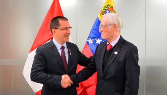 Canciller venezolano se reunió con su par peruano en actividades de cambio de mando. (Foto: Twitter/Jorge Arreaza)