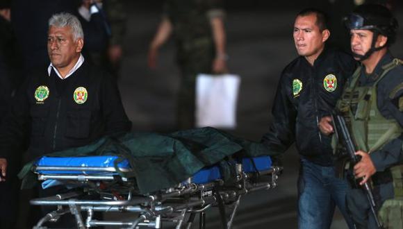 Los cuerpos de los terroristas aterrizaron poco antes de las 6.30 pm. (Andina)