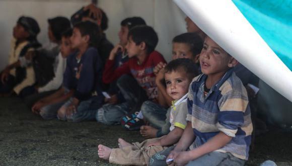 La mayoría de los niños perdieron la vida por hipotermia, después de huir de los combates en la vecina región de Deir al Zur, aseguró hoy la OMS. (Foto: EFE)