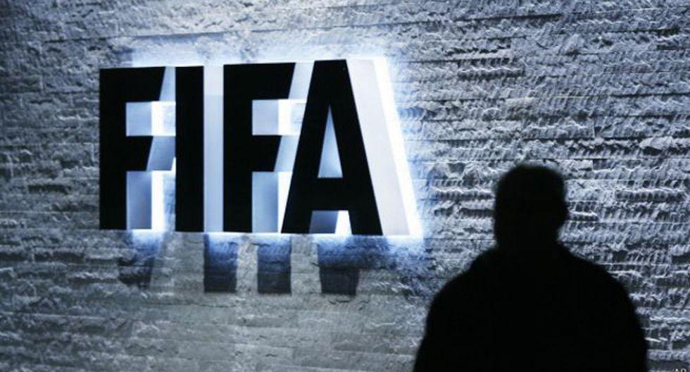 La FIFA busca reformar el mercado de fichajes. (Foto: AP)