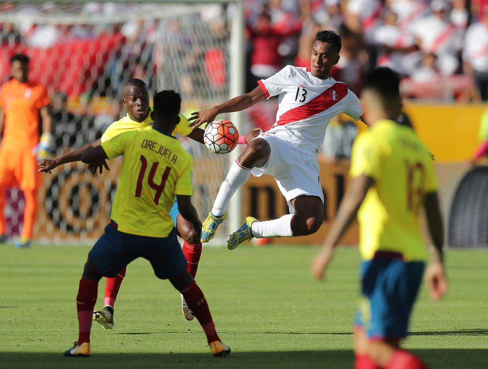 FOTO 1   Perú juega otro partido con Ecuador: el de la valorización de mercado. Si bien lucen parejos, la bicolor le saca una ligera ventaja de US$1.75 millones al seleccionado ecuatoriano. (Foto: USI)