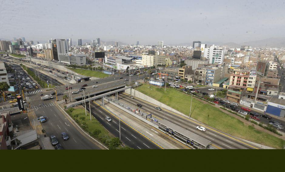 ¡A tomar precauciones! Desde esta madrugada se iniciará el montaje de las estructuras en el Puente Junín. (Foto: El Comercio)