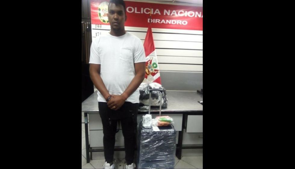 El cubano Carlos Duharte Arrue (27) pretendía viajar a su país natal con el alucinógeno. (Foto: Difusión PNP)