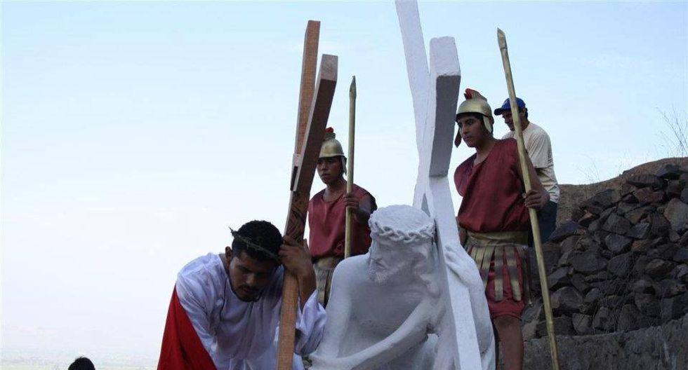 Durante el recorrido, apreciarás distintas estatuas que representan el calvario de Jesús. (Foto: Facebook Chepenparaelmundo)