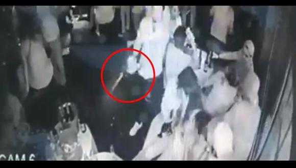 Ataque a un bar en Acapulco fue registrado por las cámaras de seguridad. (Video: Facebook MPS Guerrero Noticias)
