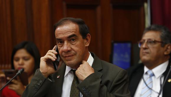 Yonhy Lescano es acusado de acosar sexualmente, por intermedio de conversaciones de WhatsApp, a una periodista. (Perú21)