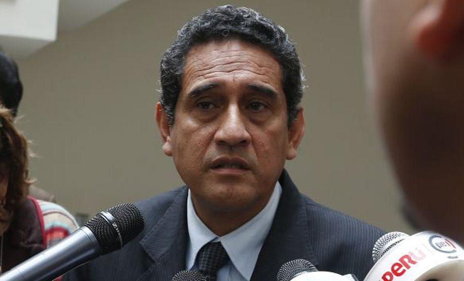 Mesías Guevara aseguró que Alfredo Barnechea y Víctor Andrés García Belaunde pretenden dar un golpe de estado en Acción Popular. (USI)