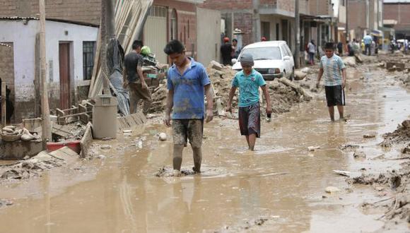 Las intensas lluvias, huaicos y desbordes dejaron 178,701 damnificados, según el COEN. (Perú21)