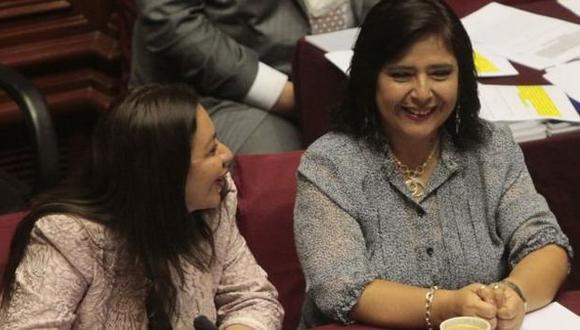 A la orden. Las parlamentarias manifestaron que están dispuestas a colaborar con investigaciones. (El Comercio)