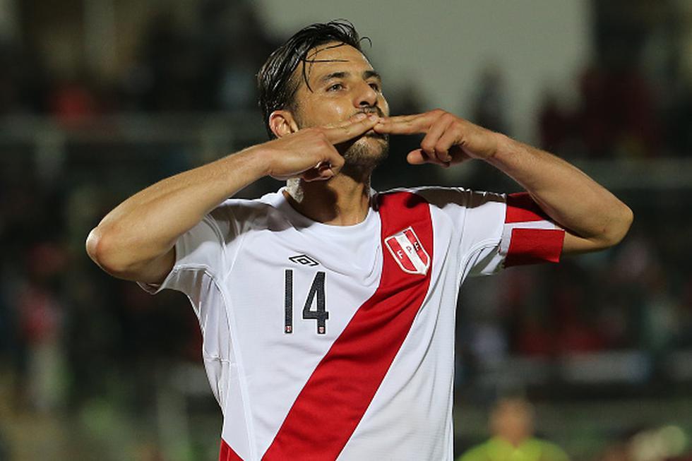 La última participación de Pizarro con la selección peruana fue a finales de marzo del 2016, bajo la dirección de Gareca, cuando caímos en Montevideo ante Uruguay. (GETTY IMAGES)