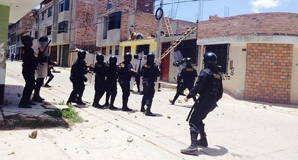 Relevaron a 11 jefes policiales por violento desalojo en Cajamarca. (USI)