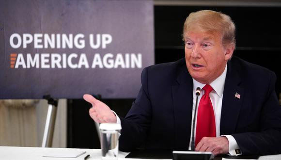 El presidente de los Estados Unidos, Donald Trump, en una mesa redonda con ejecutivos de la industria en el Comedor Estatal de la Casa Blanca en Washington, DC. (Foto: AFP/MANDEL NGAN)
