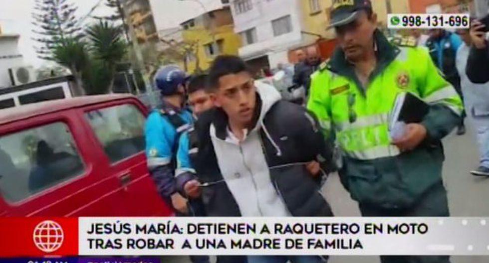 Carlos Silva Reyes (18) fue capturado en el cruce de las avenidas Junín y Huáscar. (Foto: Captura de video / América Televisión)
