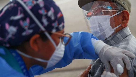 El proceso de vacunación del personal de salud se realiza con las dosis del laboratorio chino Sinopharm.  (Foto: GEC)