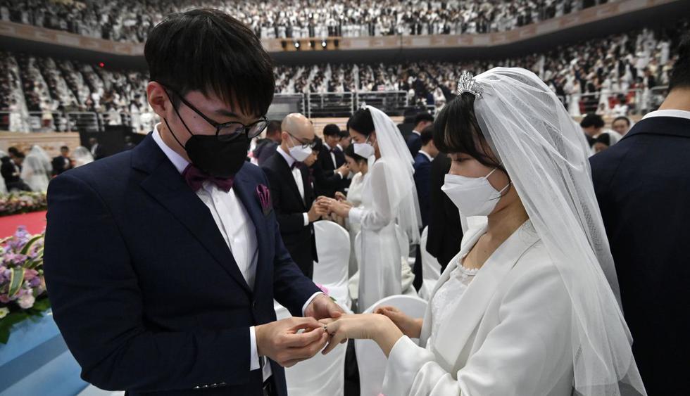Gigantesco matrimonio colectivo se realizó en Corea del Sur a pesar del coronavirus de Wuhan, China. (AFP).