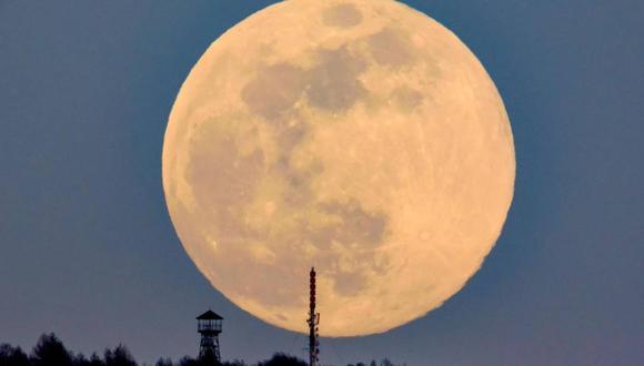 Esta superluna es la primera de las tres pronosticadas para este año. (Foto: EFE)