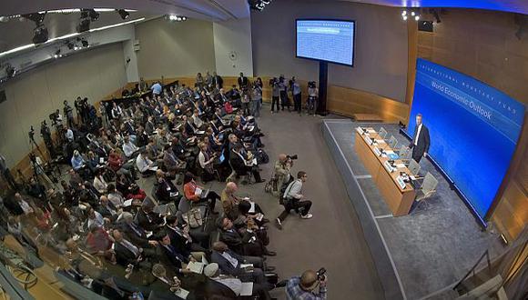 Olivier Blanchard durante la rueda de prensa ofrecida en Washington. (EFE)