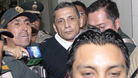 Antauro Humala fue trasladado a Piedras Gordas por 12 efectivos del INPE. (Martín Pauca)