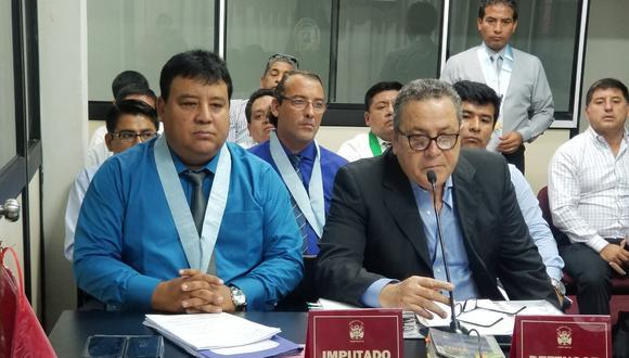 Viceministro de Pesca y Acuicultura, Javier Atkins, enfrenta juicio por presunta sobrevaloración de obra.