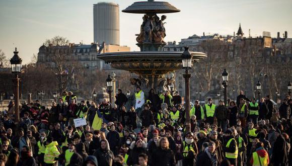 Manifestantes protestan durante una huelga general, el pasado martes en París (Francia). (Foto: EFE)