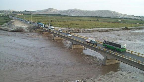 Los problemas de tránsito se hacen más graves en Cañete. (RPP)