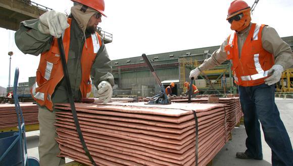 Perú aun se mantiene por debajo de Chile, primer productor mundial de cobre, con 5′600,000 TMF. (Foto: AFP)