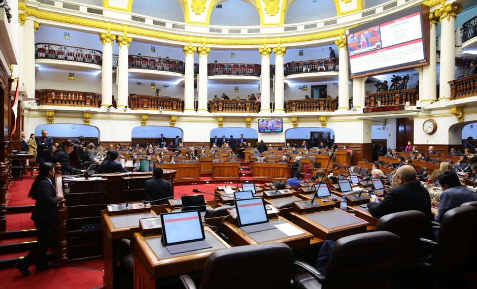 La decisión del titular del Parlamento se produce pese a que legisladores de diversas bancadas se mostraron a favor de suspender la semana de representación. (Foto: Congreso)