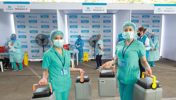 El proceso de vacunación se realiza en el Perú desde el pasado 9 de febrero. (Foto: Essalud)