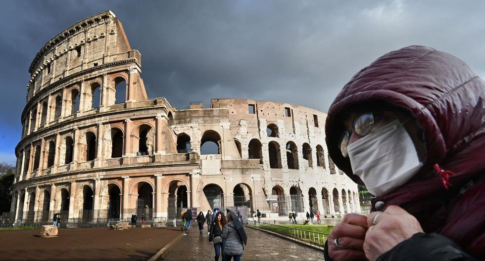 Una imagen del Coliseo de Roma del pasado 7 de marzo, cuando Italia empezaba el confinamiento por el nuevo coronavirus. (Alberto PIZZOLI / AFP).