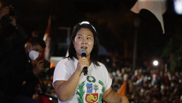 Candidata presidencial participa en mitin en Cercado de Lima.