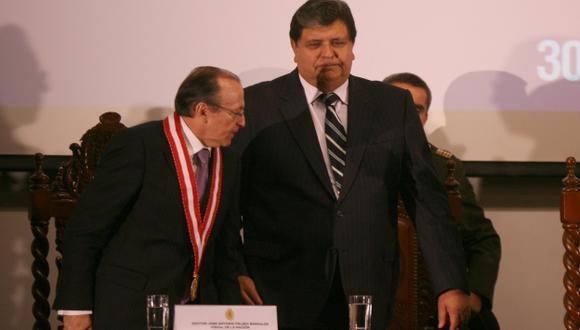 PRIMER ROUND. Para el fiscal Peláez (izq.) el exgobernante García acredita un balance positivo. (Fidel Carrillo)