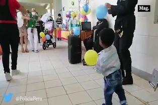 Viral: policía organiza cumpleaños a menor agredido físicamente