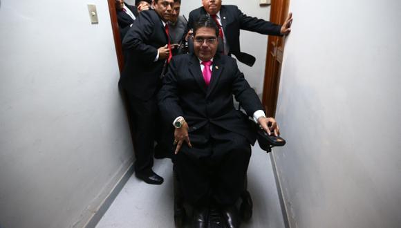 DESAFORADO. Urtecho perdió su curul por recortar sueldos. (Rafael Cornejo)