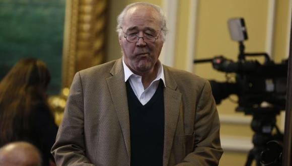 """Víctor A. García Belaunde: """"Piden clonar a Giuffra pero por error clonan a Miss Lobby-Nelli"""". (USI)"""