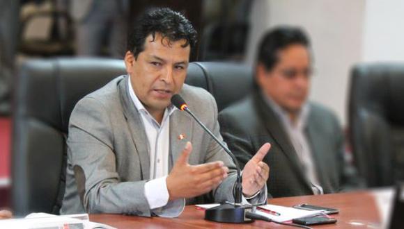 Presidente de Asamblea Nacional de Gobiernos Regionales, Edwin Licona, afirmó que no estamos para organizar debates. (El Bacán)