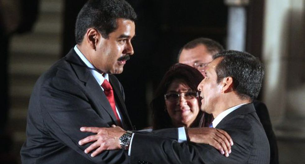 DUPLA CÓMPLICE. Duras críticas ha recibido el presidente Ollanta Humala por avalar la elección de Nicolás Maduro. (AFP)