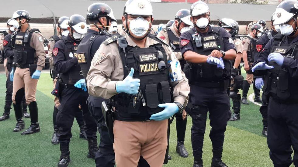 Donan mascarillas y guantes a la Policía Nacional. (ASBANC)