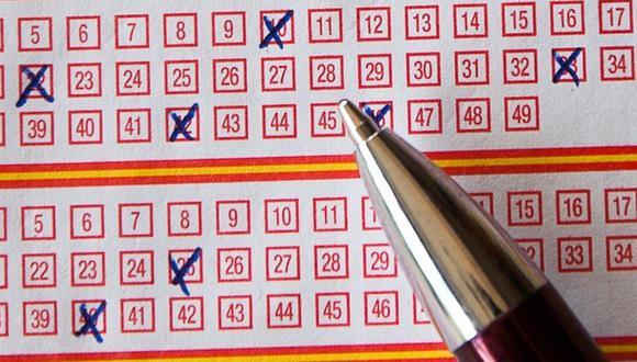 Una mujer decidió jugar la lotería apostando los números que soñó su esposo y ganó una fortuna. | Crédito: Pixabay / Referencial