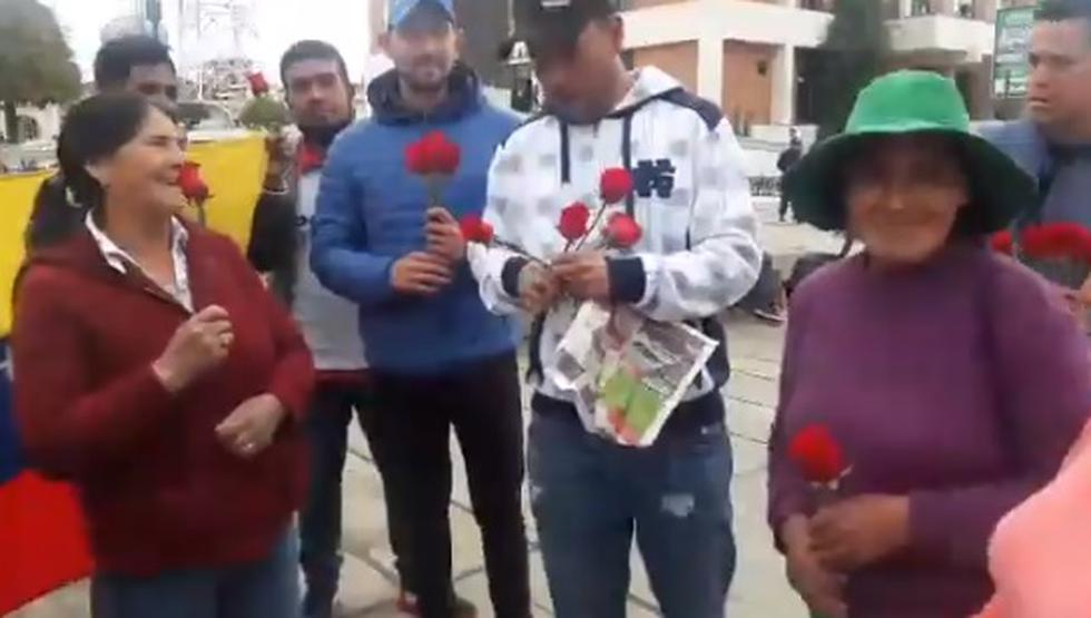 """Después de que se viralizara un audio de WhatsApp, en el que un venezolano se refirió a las mujeres de Huancayo de manera discriminatoria calificándolas de """"feas"""" e """"indias"""", algunos de sus compatriotas, quienes criticaron sus palabras, decidieron enmendar el error. (Captura de video)"""