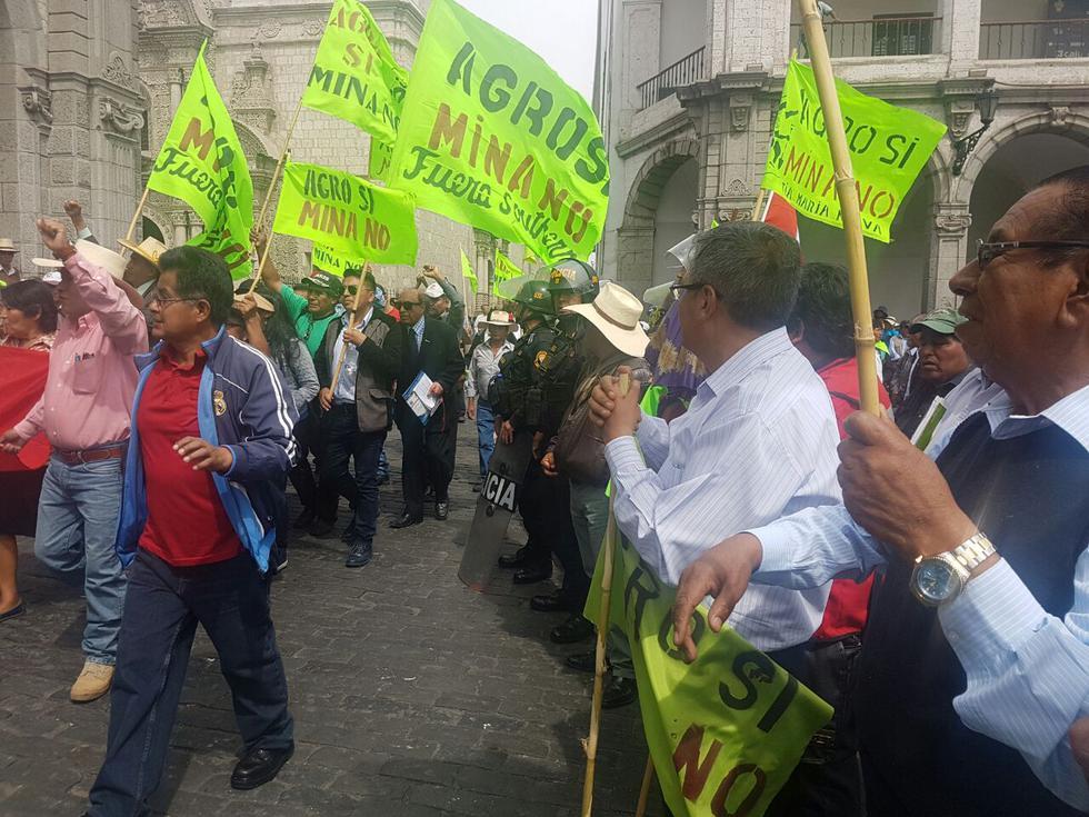 Manifestantes se movilizaron desde la provincia de lslay hacia la Ciudad Blanca.