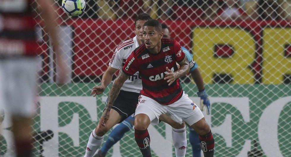 El capitán peruano fue muy bien controlado por la defensa del Sao Paulo. (EFE)