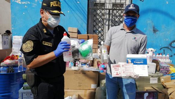 La Victoria y la Policía intervinieron una vivienda donde se adulteraban mascarillas y alcohol medicinal. (Difusión)