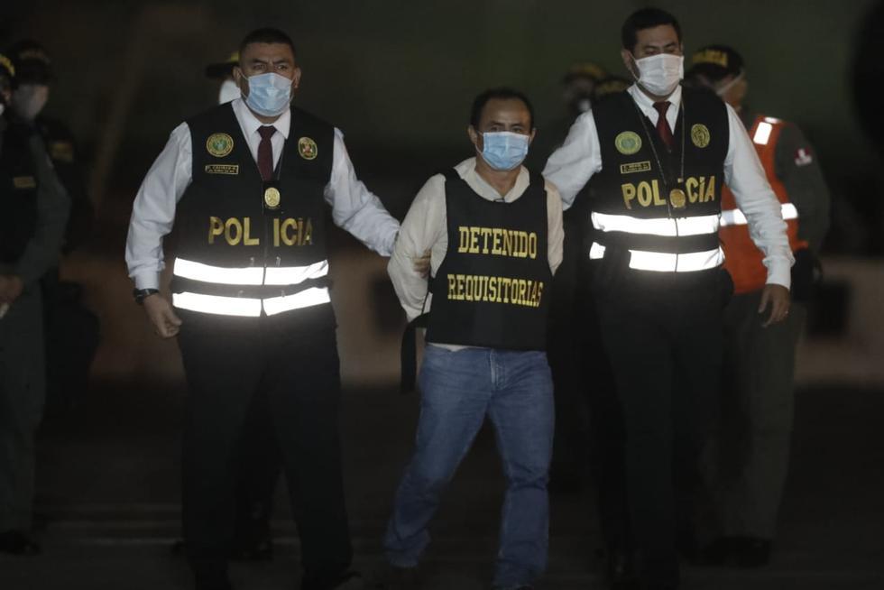 Gregorio Santos arribó a la sede de la Dirección de Aviación de la Policía. (Fotos: César Campos)