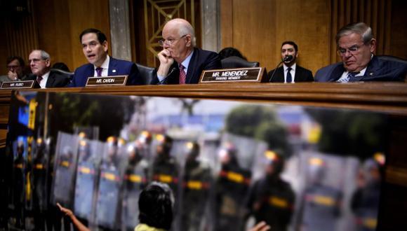 """Los senadores James E. Risch, Marco Rubio, Benjamin L. Cardin y Robert Menendez en una audiencia del Senado sobre """"Las relaciones entre Estados Unidos y Venezuela y el camino hacia una transición democrática"""". (Foto: AFP)"""