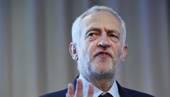 La primera ministra y el político izquierdista iniciaron hace seis semanas la negociación en un intento por alcanzar un acuerdo del Brexit. (Foto: EFE)