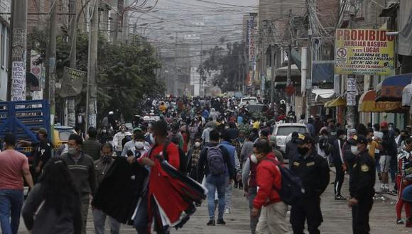 Comerciantes de San Juan de Miraflores. (GEC)