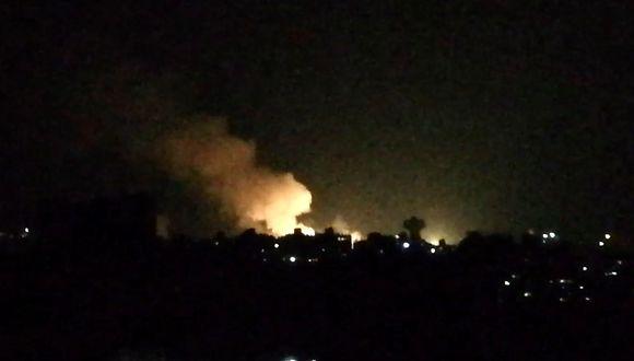 La agencia de prensa oficial siria Sana informó por la noche que cuatro civiles habían muerto y que 21 fueron heridos en un bombardeo israelí cerca de Damasco. (Foto: AFP)