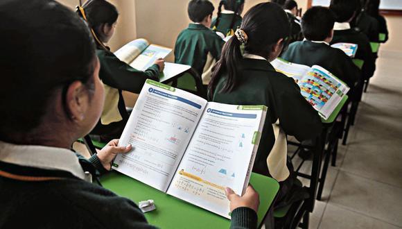 Los estudiantes de colegios particulares pueden usar textos escolares de segundo uso como fuente de consulta o material de estudio.