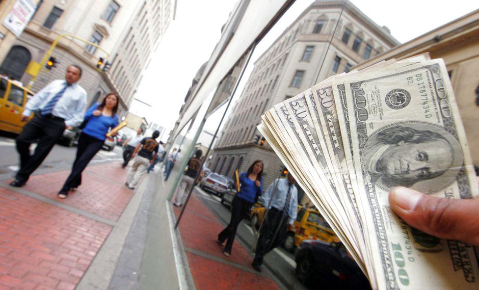 El tipo de cambio oficial cerró el jueves en S/ 3.325. (Foto: GEC)